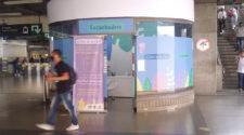 Lyssningsrum på stationen San Antonio i Medellín. Här kan man gå in och få ett samtal med en psykolog, utan kostnad.